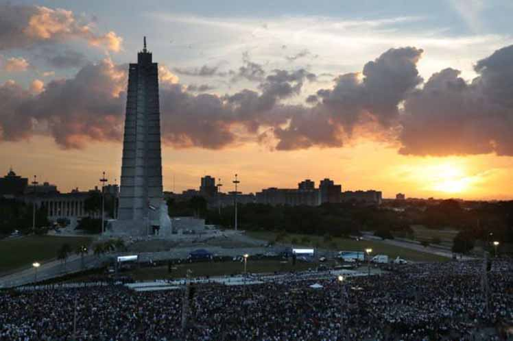 The Revolution Square was filled with thousands of Cubans paying ther respects to Fidel Castro